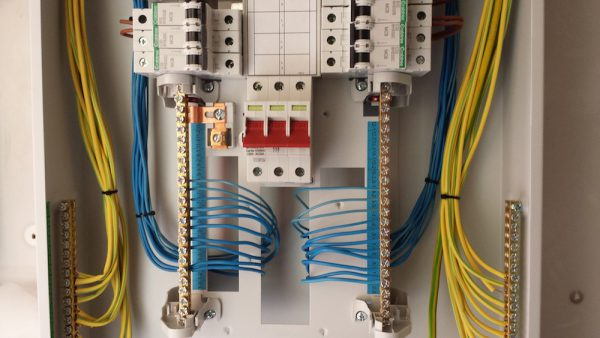 Commercial Electrical Installations 8